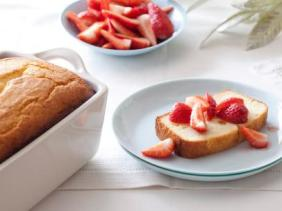 Ricotta-Orange-Poundcake-Strawberries-Recipe_s4x3.jpg.